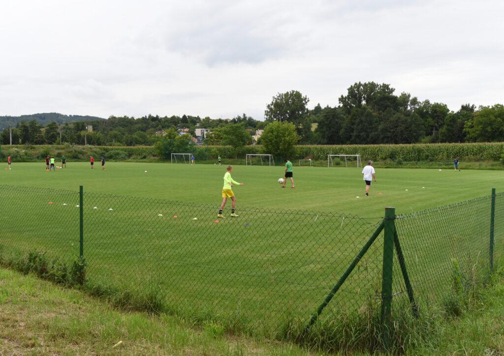 FC Dosta Bystrc - Kníničky Hřiště